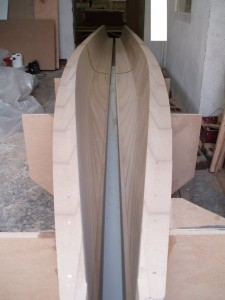 Molding for catamaran