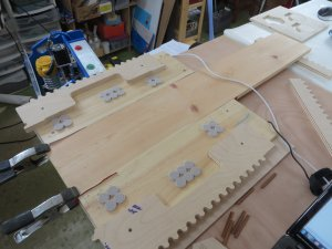 Jig set up for tiling small