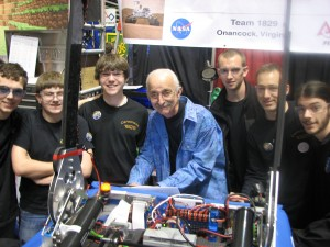 MIT engineer and FIRST legend Woodie Flowers hangs out with Team 1829